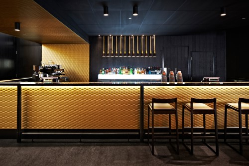crown-lager-bar-melbourne-airport-06